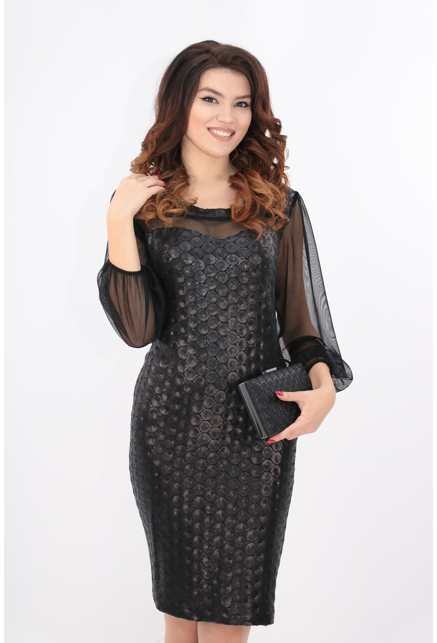 Rochie cu paiete negre si maneci din tull