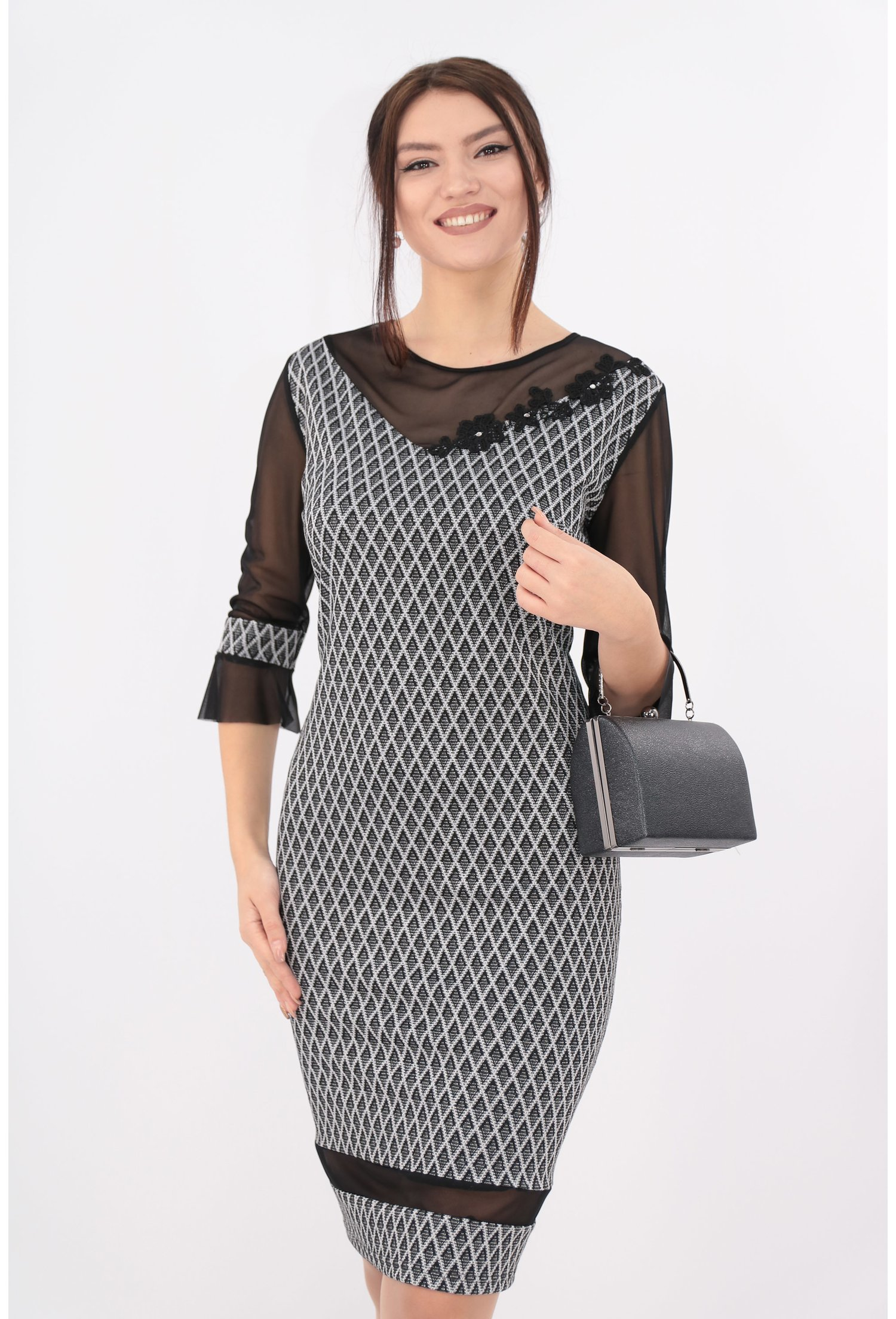 Rochie din brocard negru cu insertii argintii