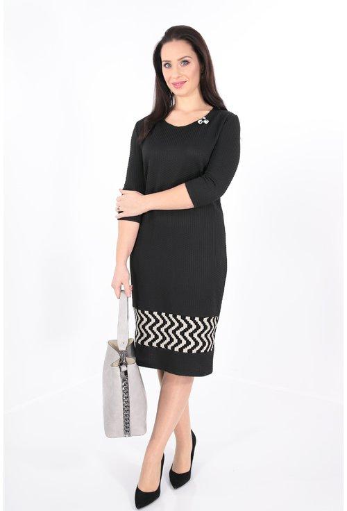 Rochie neagra cu bordura zig-zag la tiv