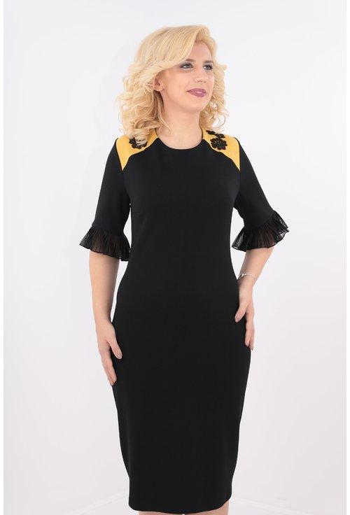 Rochie neagra cu garnitura mustar
