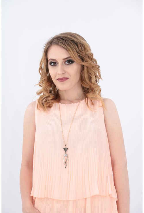 Rochie roz din voal plisat