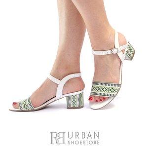 Sandale cu toc dama din piele naturala cu motiv traditional - 685-11 Alb