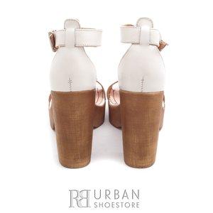 Sandale din piele naturala - 039 bej