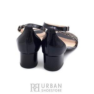 Sandale din piele naturala, piele lacuita 685-2 negru - multicolor