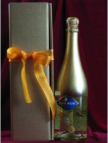Vin spumant cu foita de aur plus cutie cadou